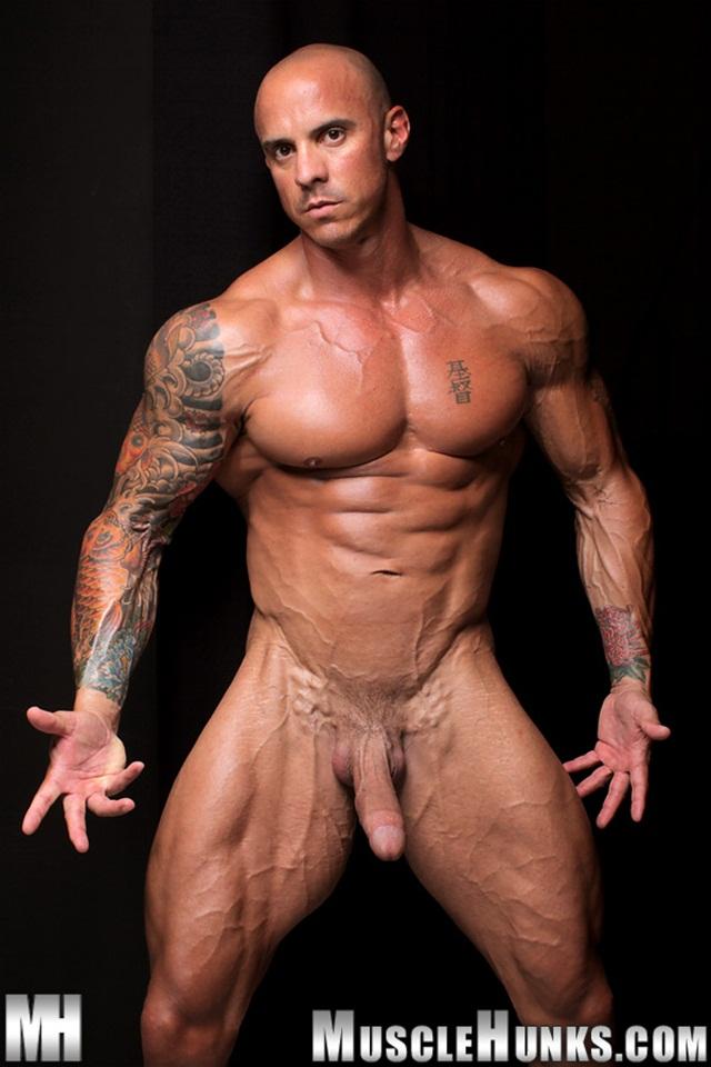 Muscle Hunks Nude 39