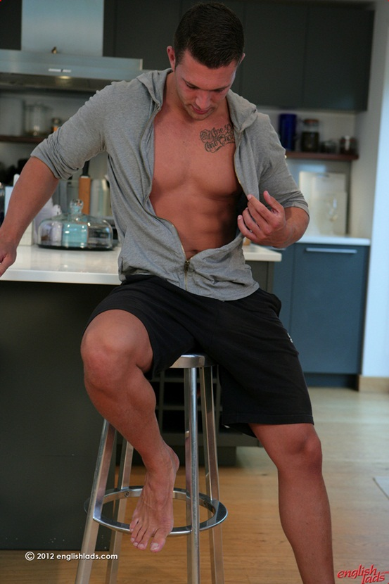 Personal trainer James Branson Tall muscular tanned ripped hung 01 Ripped Muscle Bodybuilder Strips Naked and Strokes His Big Hard Cock photo Straight personal trainer James Branson   Tall muscular tanned ripped & hung