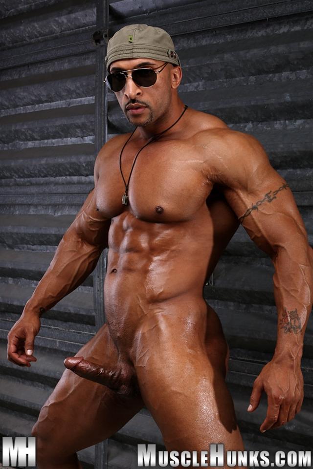 Камера пляжной высокие спортивные самцы порно тети карнавале