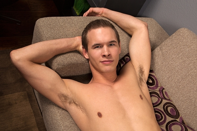 seancody-romantic-dan-04-gay-porn-movies-download-torrent-photo