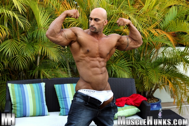 Rico-Cane-Muscle-Hunks-nude-gay-bodybuilders-porn-muscle-men-muscled-hunks-big-uncut-cocks-tattooed-ripped-01-pics-gallery-tube-video-photo