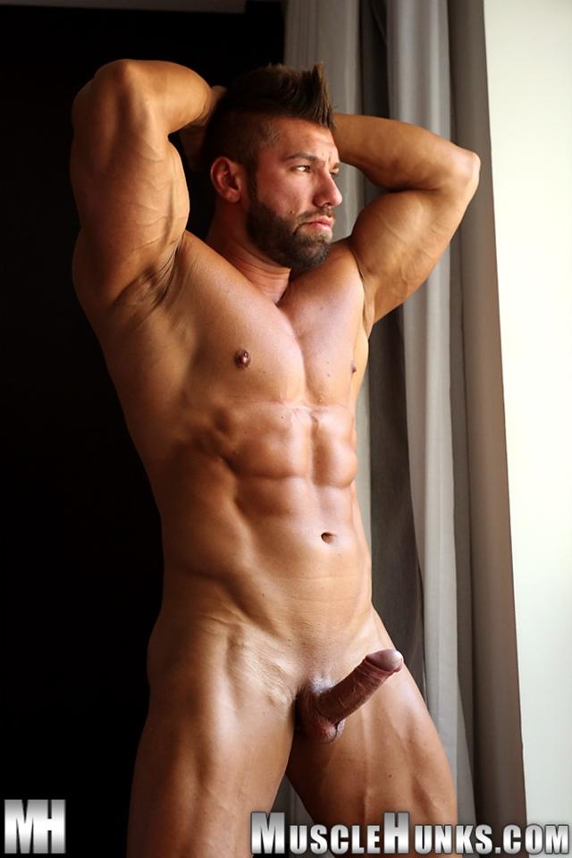 muscle men 2 muscle hunks  Lucas di Angelo