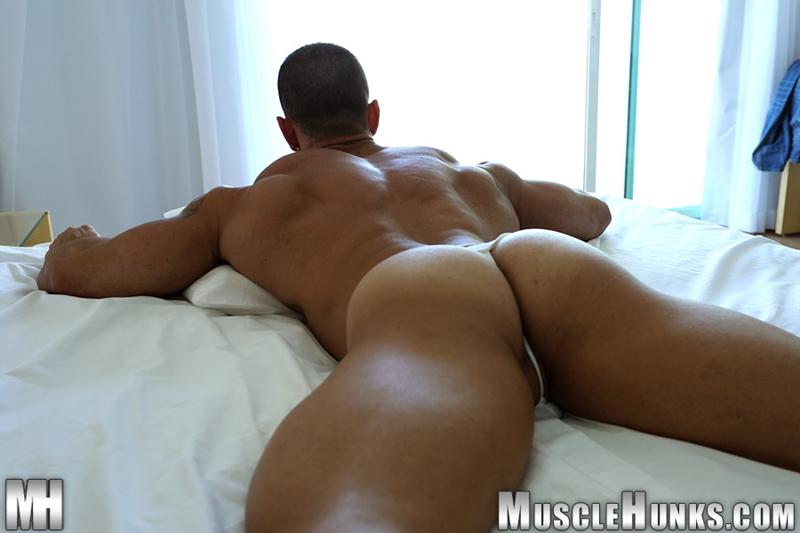 muscle men 2 muscle hunks  Gianluigi Volti