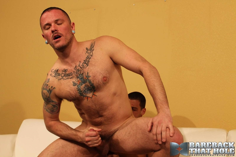 bareback that hole  Tommy Deluca and Max Cameron
