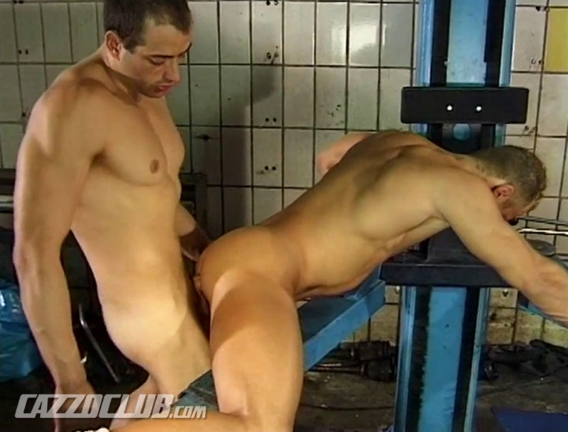 cazzo club  Gilo fucks Andy Nickels tight ass