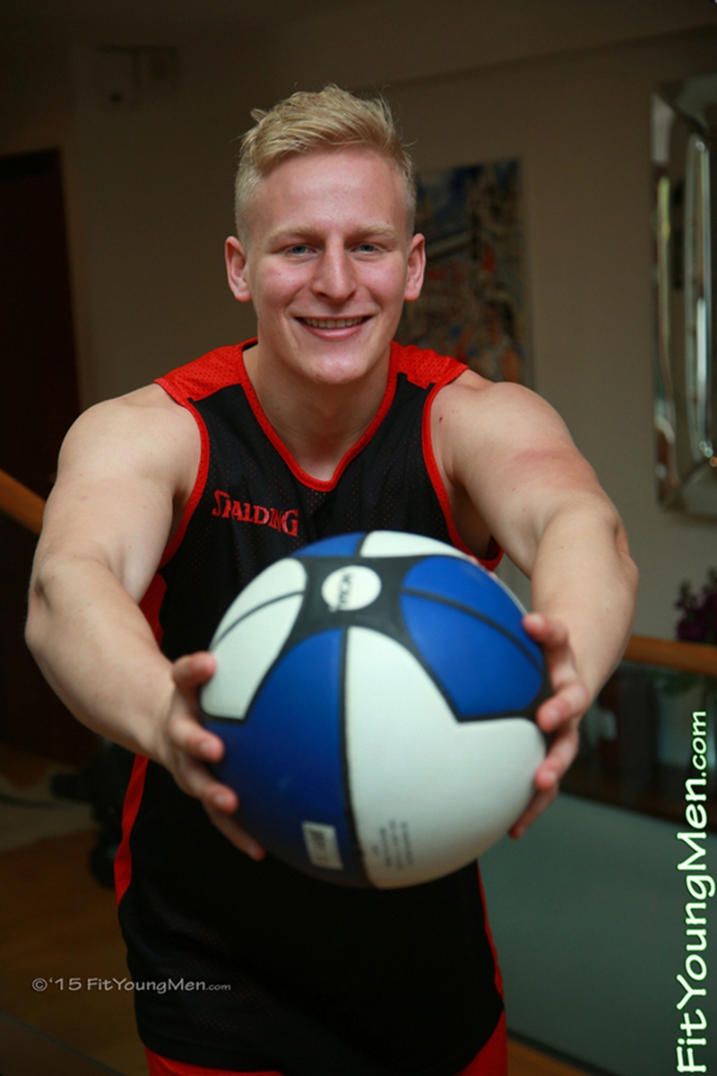 FitYoungMen-Daniel-Crowley-Basketballer-Age-21-years-old-Straight-naked-sportsmen-blond-hair-ripped-abs-big-pecs-huge-arms-003-gay-porn-video-porno-nude-movies-pics-porn-star-sex-photo