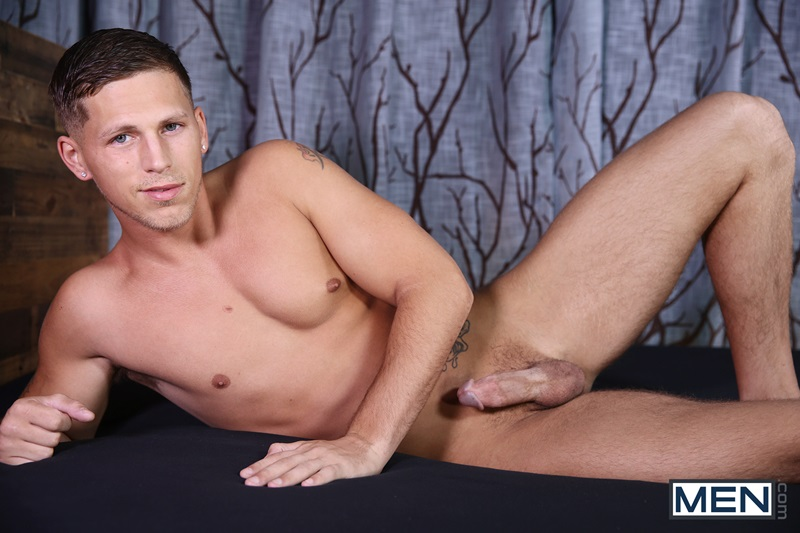 Bottom muscle boy Tyler Berg's tight asshole ravaged by Marq Daniels' huge muscled uncut dick
