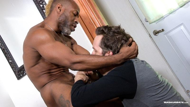Maskurbate-DILF-Dad-I-like-to-fuck-hot-mature-men-worship-muscular-bodies-Robert-well-hung-black-guy-huge-ebony-9-inch-long-uncut-thick-dick-14-gay-porn-star-sex-video-gallery-photo