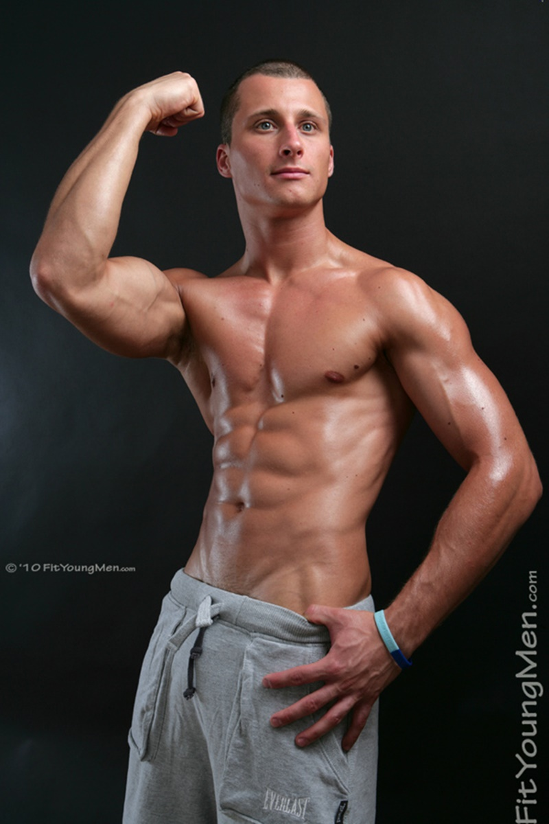 FitYoungMen-Kris-ONeil-Mountain-Biker-Age-24-years-old-Straight-young-naked-dude-sexy-tight-underwear-men-ripped-six-pack-abs-crotch-bulge-big-003-gay-porn-sex-gallery-pics-video-photo