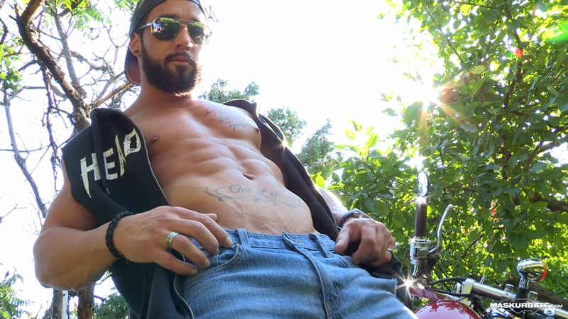 maskurbate-ripped-naked-big-muscle-man-zack-huge-thick-long-dick-solo-jerk-off-cumshot-sexy-muscled-hunk-beard-facial-hair-ripped-abs-003-gay-porn-sex-gallery-pics-video-photo
