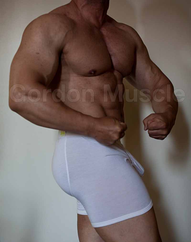 jockmenlive-nude-big-muscle-hunks-gordon-muscle-jerking-sweating-posing-pouch-huge-dick-crotch-bulge-cumshot-flexin-muscled-001-gay-porn-sex-gallery-pics-video-photo