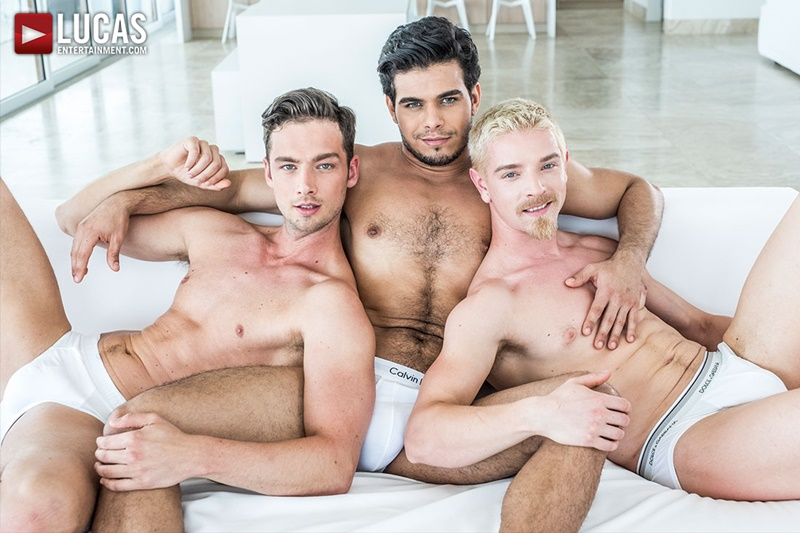 Bareback double penetration with Rico Marlon, Damon Heart and Cody Winter
