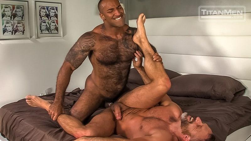 two gay boys kissing vids