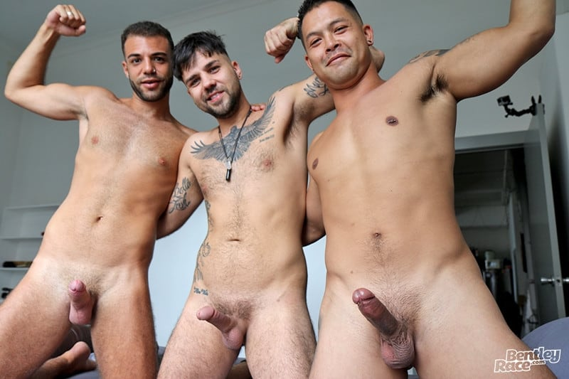Men for Men Blog Layton-Charles-Jesse-Carter-Sam-Sivahn-daisy-chain-fuck-Hot-young-dudes-bentley-race-008-gay-porn-pictures-gallery Hot young dudes Layton Charles, Jesse Carter and Sam Sivahn daisy chain fuck Bentley Race