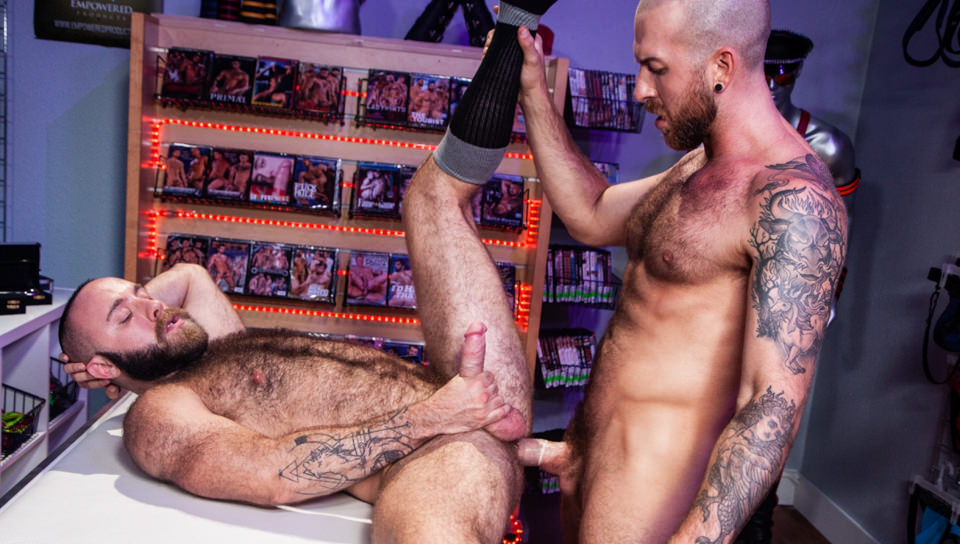 Men for Men Blog 70571_02_01 Horny stud Teddy Bear rolls over on his back and lets Nigel March slam his ass Raging Stallion