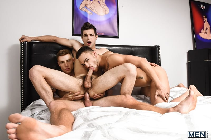 Men for Men Blog Beaux-Banks-Johnny-Rapid-Justin-Matthews-Sexy-bottoms-threesome-gay-boys-topped-big-erect-cock-Men-017-gay-porn-pics-gallery Sexy bottoms boys Beaux Banks and Johnny Rapid topped by Justin Matthews' big erect cock Men