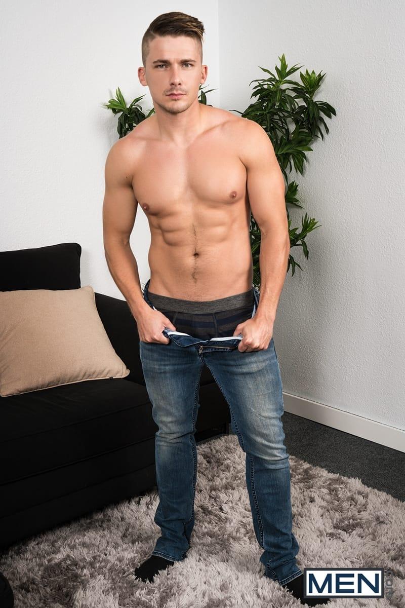 Men-Cassidy-Clyde-deep-throats-Jake-Porter-huge-cock-full-length-ass-005-gay-porn-pictures-gallery