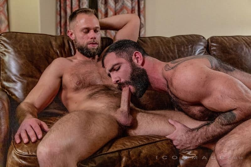 Hairy muscle hunks Jake Nicola's hot furry asshole fucked hard by Zayne Roman's huge dick