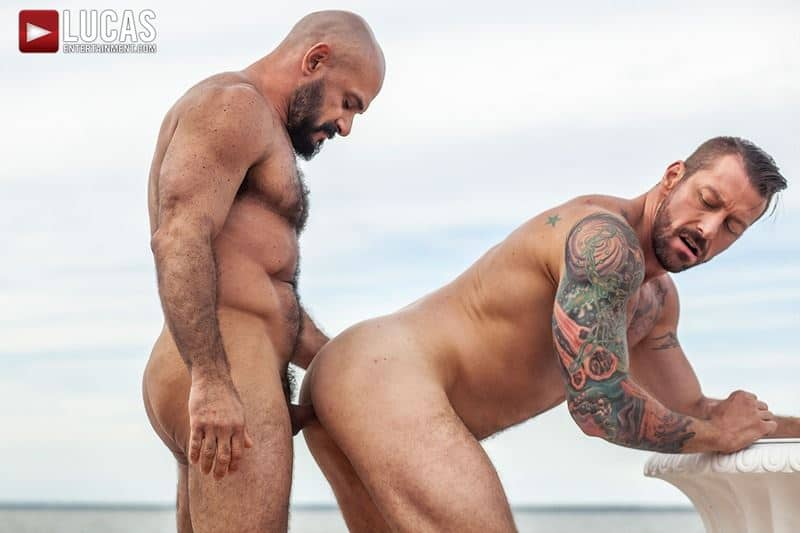 Big muscle stud Hugh Hunter and hot daddy Gio Fortes' huge raw dick flip-flop bareback ass fucking